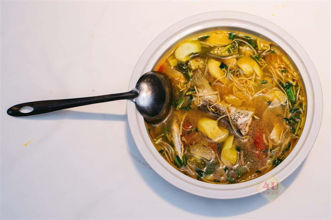 Canh Chua Cá / Sour fish broth