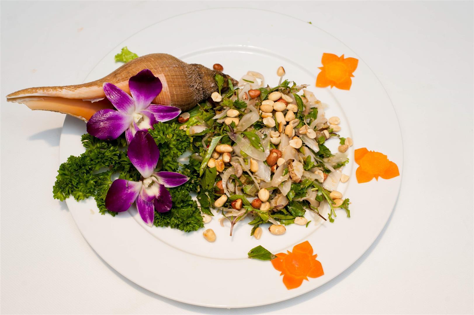 Ốc Kèn Bóp Chua Cay / Trumpet snail Mixed with sour and hot taste